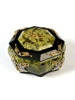 Кругла скринька з змійовика зі сріблом
