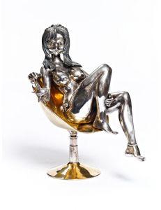 Статуетка Дівчина на кріслі